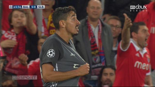 Ligue des Champions, Gr. A, Bâle - Benfica (3-0): vilain tacle de André Almeida sur Petretta, ce qui lui vaut un carton rouge [RTS]