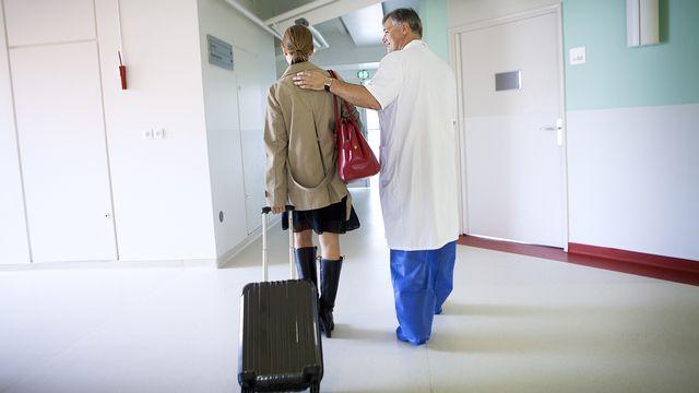 De plus en plus de romands se font hospitaliser ou opérer dans un autre canton. [Lydie stock - fotolia]