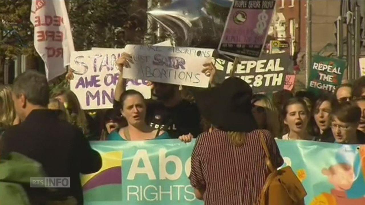 Manifestation à Dublin pour le droit à l'avortement [RTS]