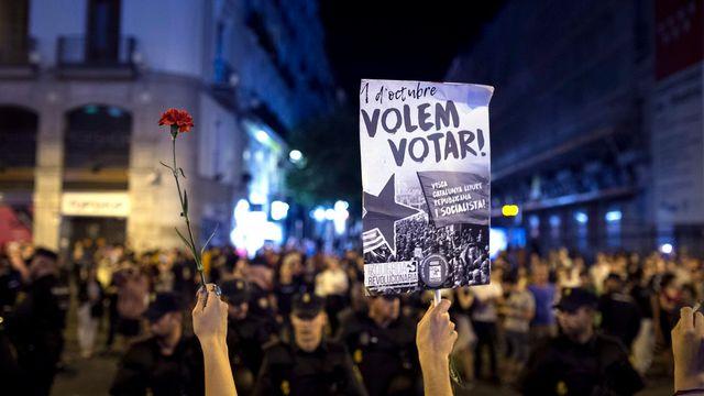 Les indépendantistes catalans crient victoire. [EPA/Luca Piergiovanni - Keystone]