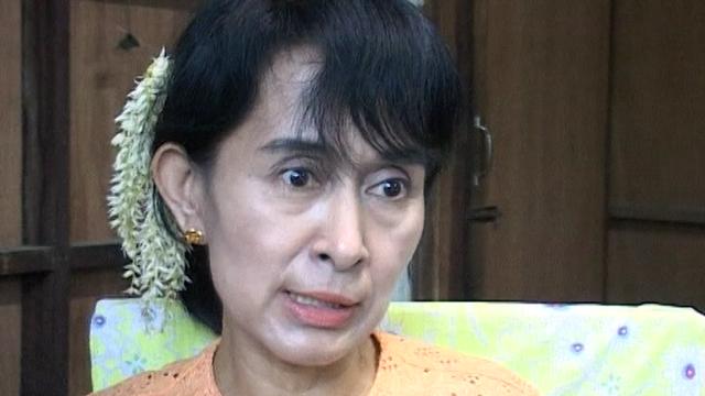 Aung San Suu Kyi interviewée en 2003. [RTS]