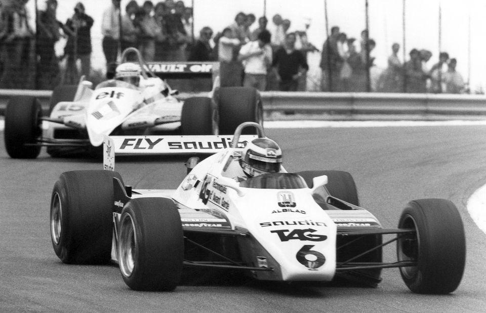 Keke Rosberg (ici devant Alain Prost) avait remporté le GP de Suisse, couru... à Dijon, en 1982. [Keystone]
