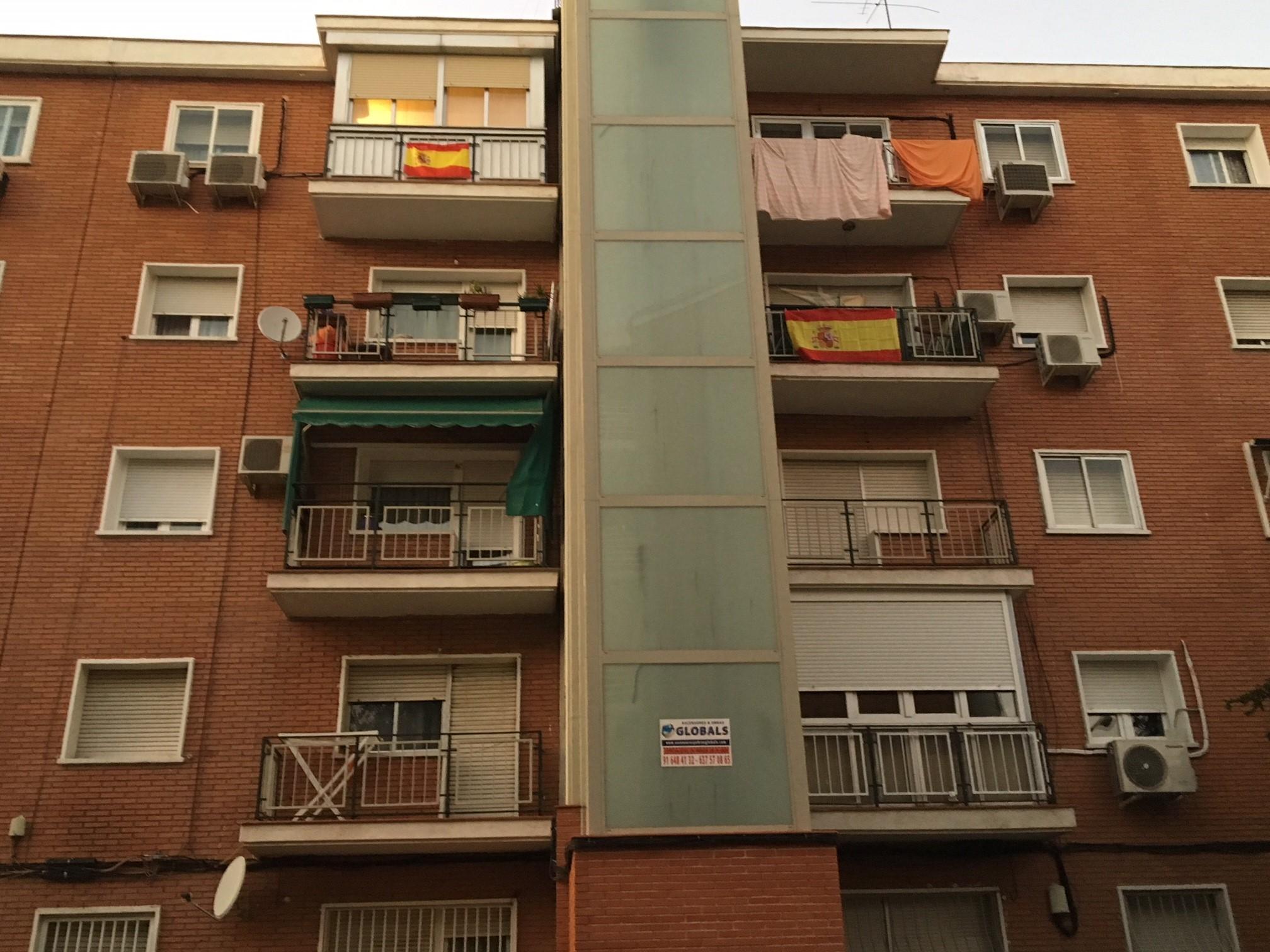 Les espagnols devant les mairies pour inciter au dialogue for Domon siege social