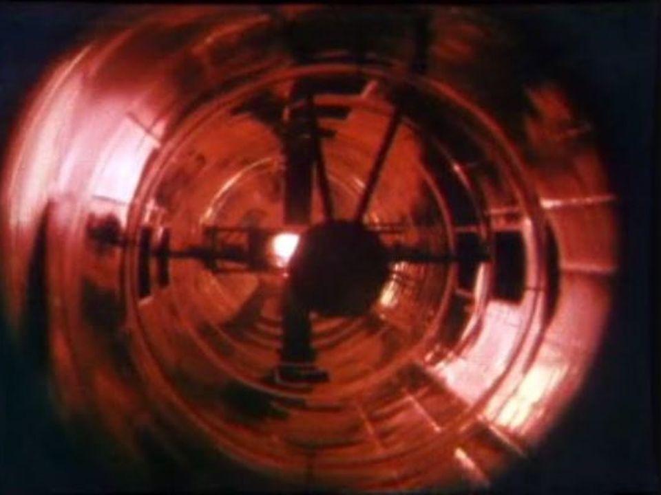 Plasma dans un champ magnétique à l'EPFL en 1983. [RTS]