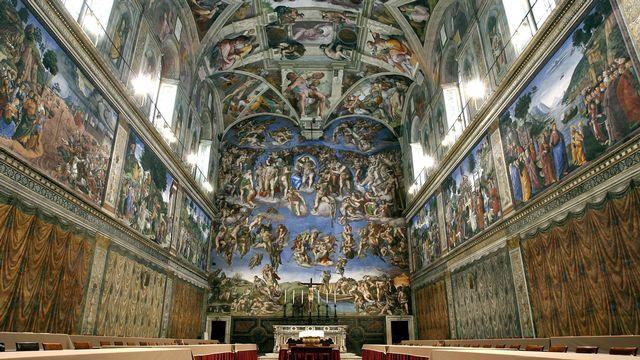 """La chapelle sixtine avec la fresque de Michel-Ange, """"Le jugement dernier"""". [Pierpaolo Cito - AFP]"""