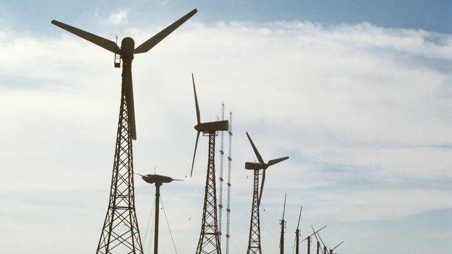 Les premières éoliennes allemandes ont été construites en 1987 à Kaiser-Wilhelm-Koog. [Wulf Pfeiffer - Keystone]