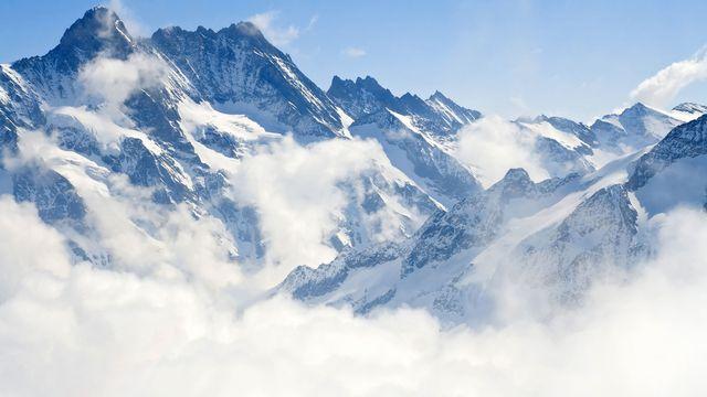 Des nuages à la Jungfraujoch. vichie81 Fotolia [vichie81 - Fotolia]