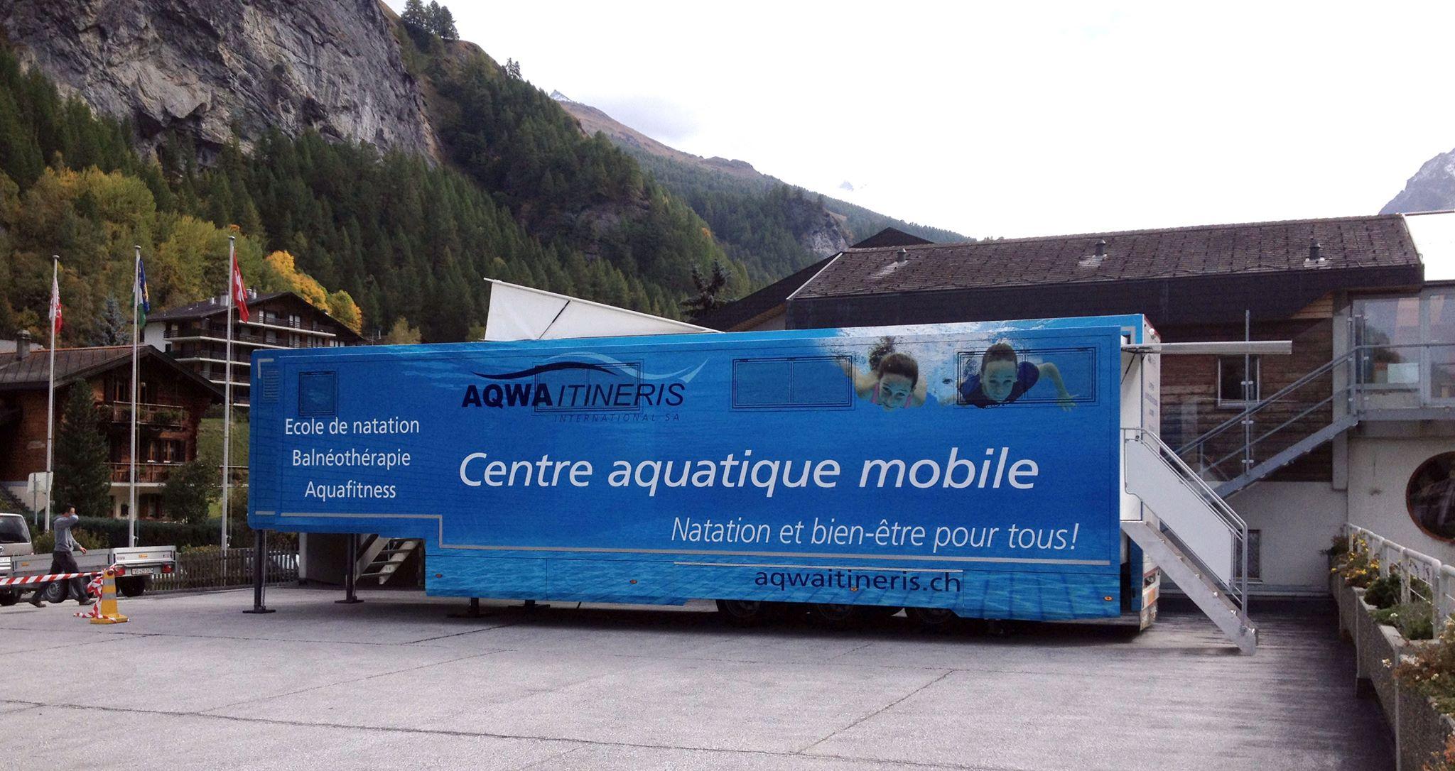 un camion piscine itin rant test dans la commune