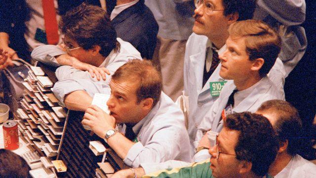 Angoisse à Wall Street quelques jours après le krach du 19 octobre 1987. [Osamu Honda - AP NY/Keystone]