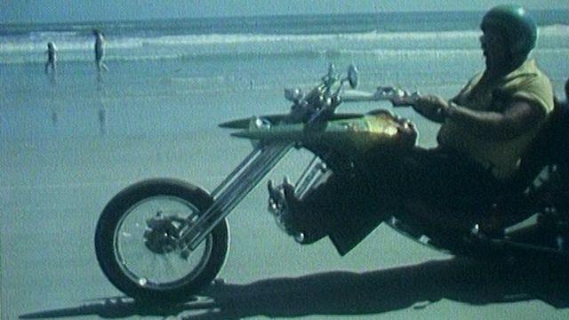 Une orgie de chromes à Daytona Beach en 1976. [RTS]