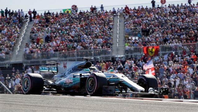Lewis Hamilton et sa Mercedes sur le circuit d'Austin, Etats-Unis. [Eric Gay - Keystone]