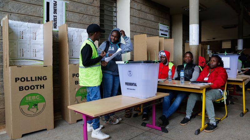Kenyans nés à nouveau des sites de rencontres chrétiennes