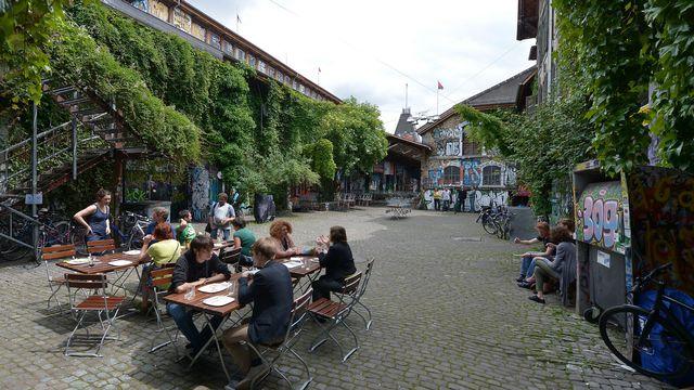 La Reitschule, centre auto-géré depuis 1987, est un symbole de la culture alternative à Berne. [Keystone]