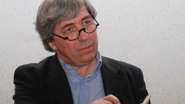 Sorj Chalandon. [Mediatheque.chambray - Photo prise lors de la remise des prix littéraires de Chambray-lès-Tours.]