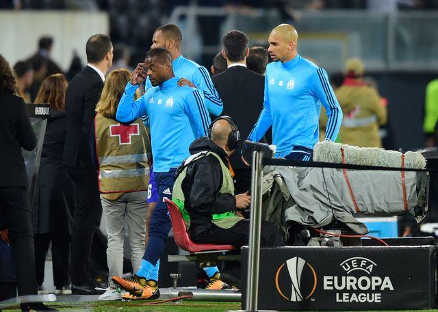 Patrice Evra (au centre) peut s'attendre à une sanction de la part de l'UEFA dans les jours à venir. [Miguel Riopa - AFP]