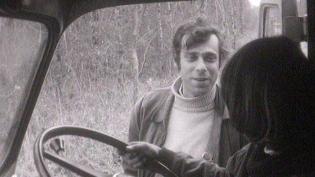 """Jean-Luc Bideau, routier sympa dans le conte de Noël """"Café de la frontière"""", 1969. [RTS]"""