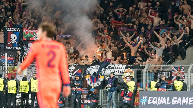 29 supporters du CSKA Moscou ont été interdits d'entrer en Suisse le 31 octobre pour le match face au FC Bâle. [Georgios Kefalas - Keystone]