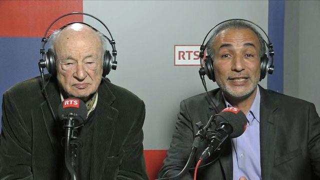 Edgar Morin et Tariq Ramadan lors d'une interview à la RTS, 09.10.2017. [RTS]