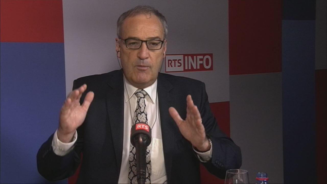 L'invité de Pietro Bugnon (vidéo) - Guy Parmelin, conseiller fédéral en charge de la Défense [RTS]
