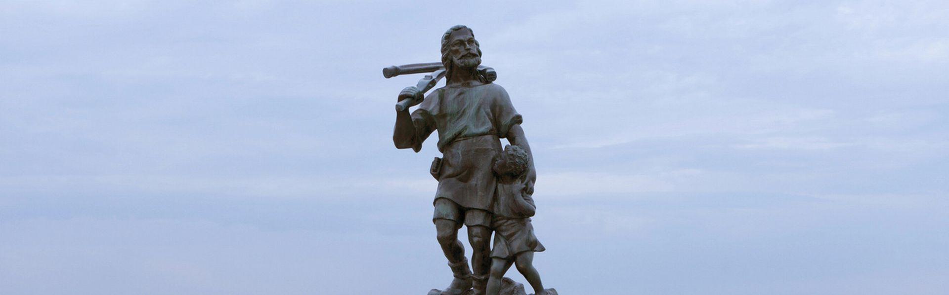 Une copie de la statue de Guillaume Tell installée au large du Bronx, à New York, sur Rat Island. [Gerry Hofstetter - Guillaume Tell]