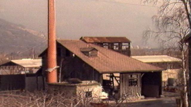 Les bâtiments de la mine de Grône en 1982. [RTS]