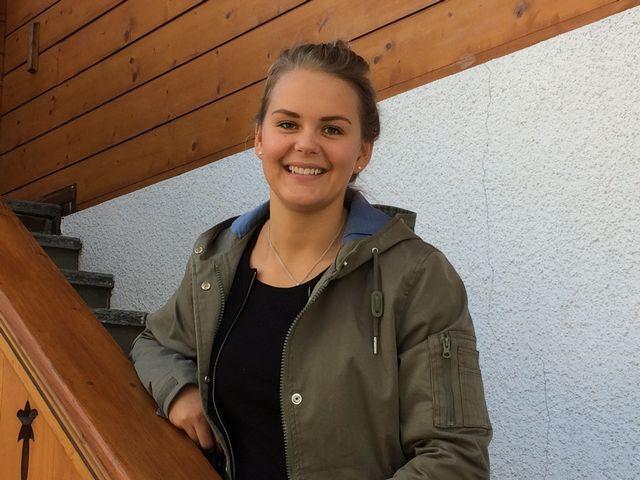 Charlotte Chable prend la pose chez elle à Villars. [Floriane Galaud - RTS]