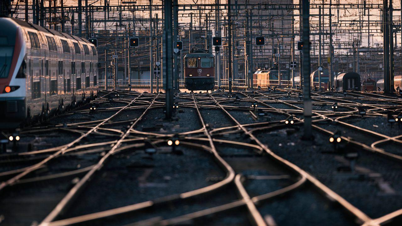Le réseau ferroviaire suisse compte 15'000 aiguillages, dont 7400 sont équipés d'un chauffage. [Christian Beutler - Keystone]