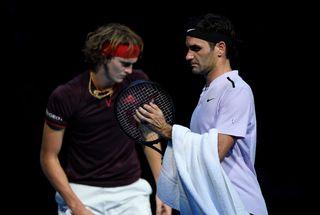 Victoire dans la douleur pour Federer face à Zverev pour son 2e match des Masters de Londres. [Tony O'Brien - Reuters]