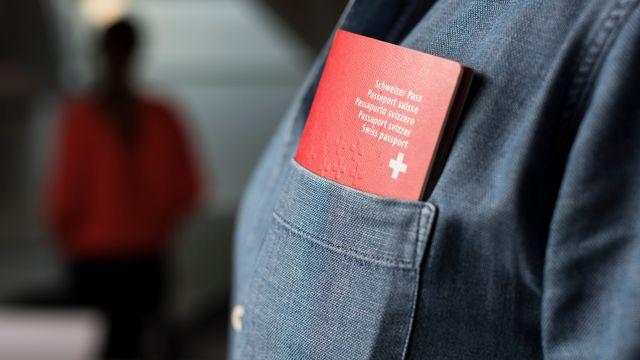 Le taux brut de naturalisation en Suisse s'élève à 2,1%.  [Christian Beutler - Keystone]