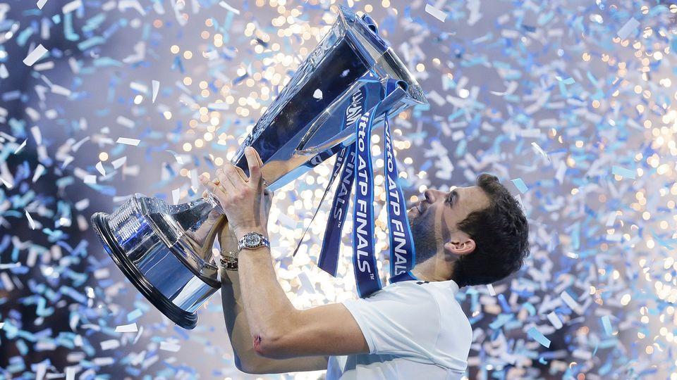 Grigor Dimitrov bat David Goffin en finale et soulève la coupe du Masters de Londres 2017 [Tim Ireland - Keystone]