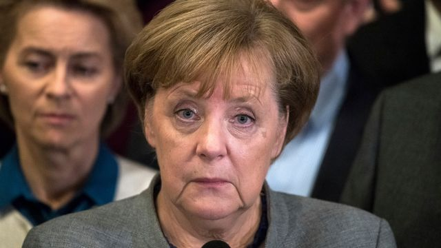Angela Merkel, visiblement fatiguée, après son échec à former un nouveau gouvernement. [Bernd von Jutrczenka/dpa via AP - Keystone]