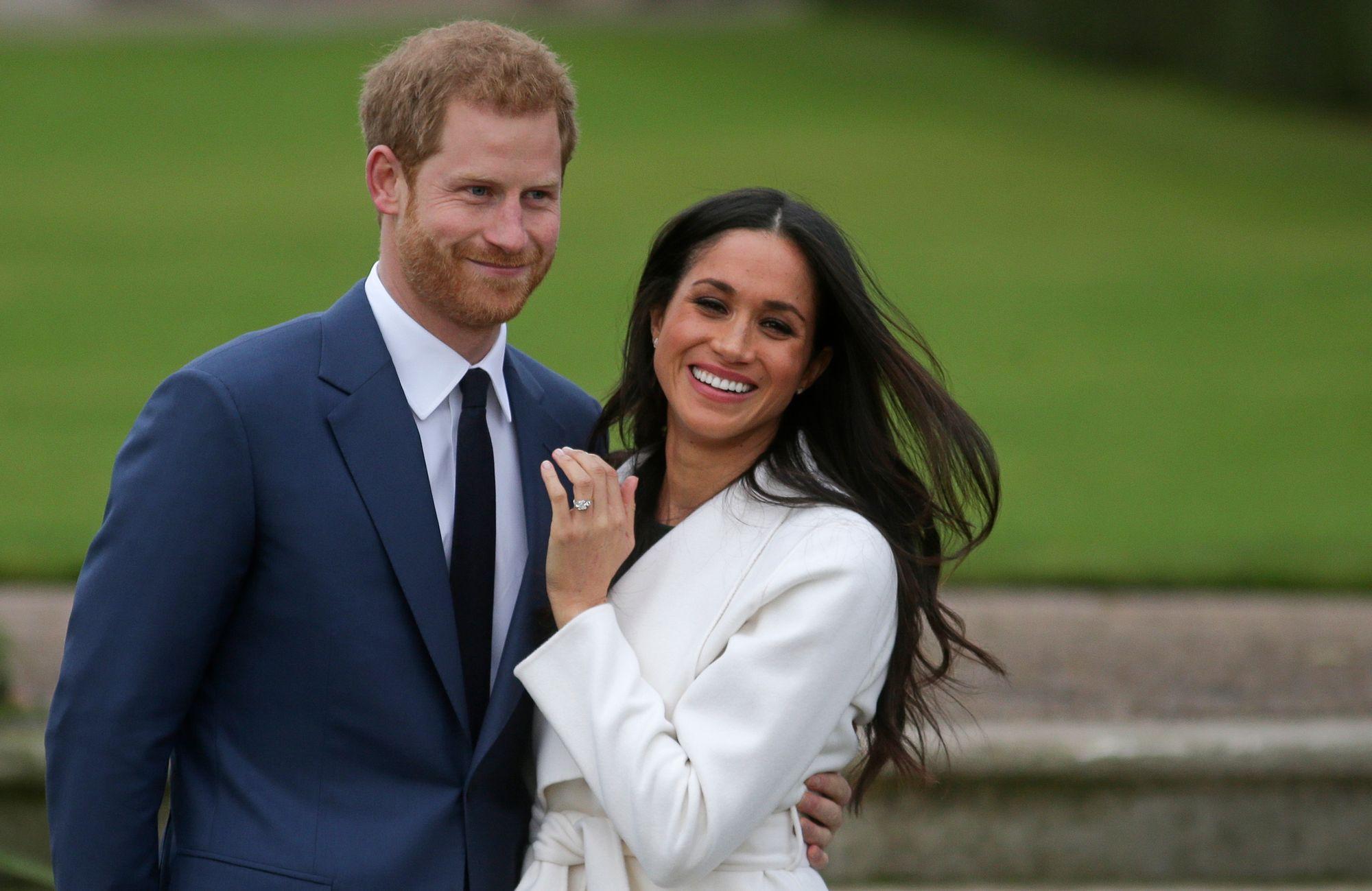 Le prince britannique Harry et sa fiancée Meghan Markle après l\u0027annonce de  leur mariage. [DANIEL LEAL,OLIVAS , AFP]