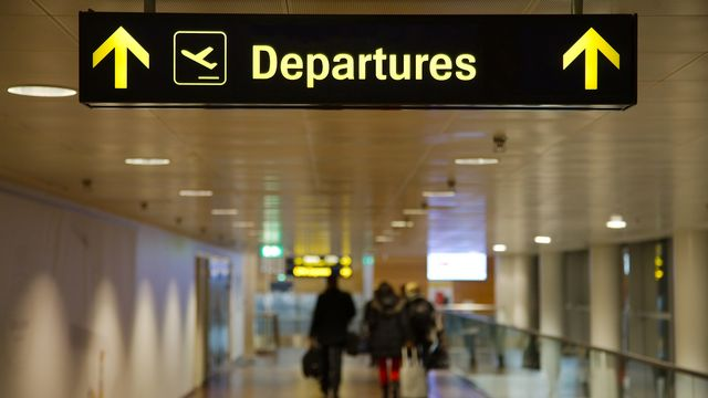 Quid de l'assurance maladie suisse quand on part vivre à l'étranger? [Gudellaphoto - fotolia]