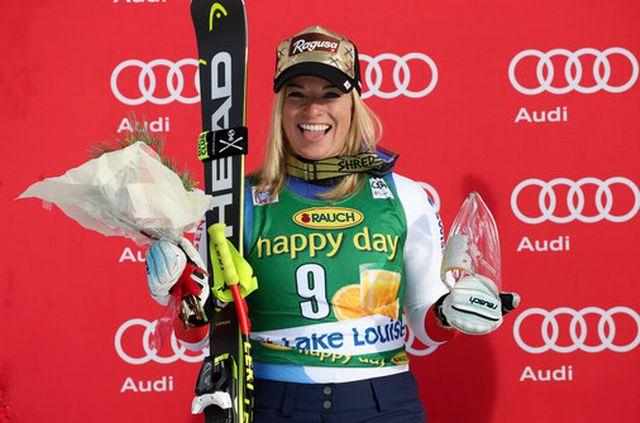 Lara Gut a le sourire après sa belle 2e place et son 1er podium de la saison. [Mario Kneisl - EQ]