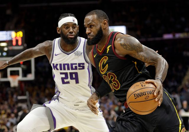 LeBron James s'est encore une fois montré décisif contre les Kings. [Tony Dejak - Keystone]