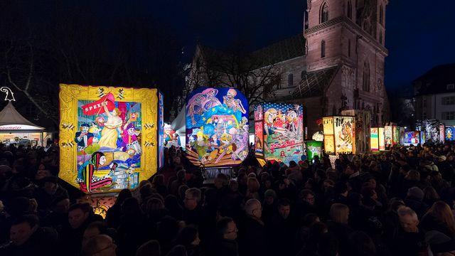 La foule du carnaval de Bâle, le 7 décembre 2017. [Georgios Kefalas - Keystone]