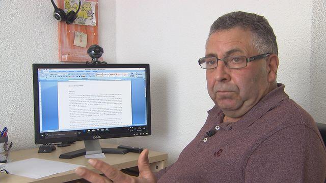 Moises Blazquez vit depuis 34 ans en Suisse. Il est établi à Courtételle, près de Delémont, dans le canton du Jura. [RTS]