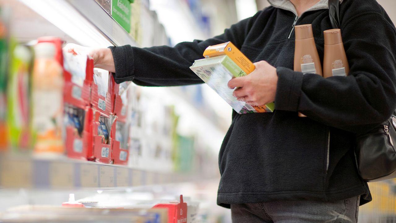 L'étiquetage est jugé encore insuffisant par les organisations de consommateurs. [Gaëtan Bally - Keystone]