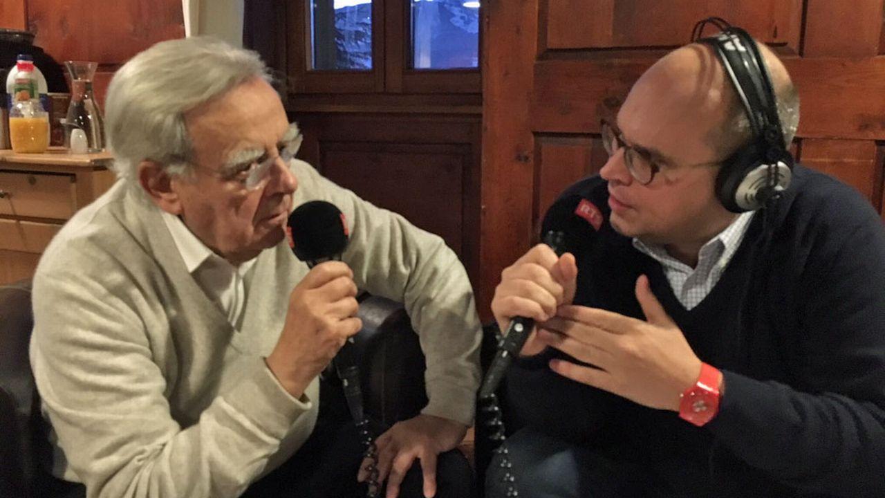 Bernard Pivot en interview avec Romain Clivaz. [Frédéric Zahnd - RTS]