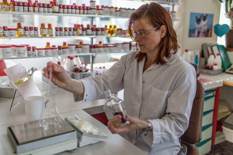 emploi laboratoire jura suisse