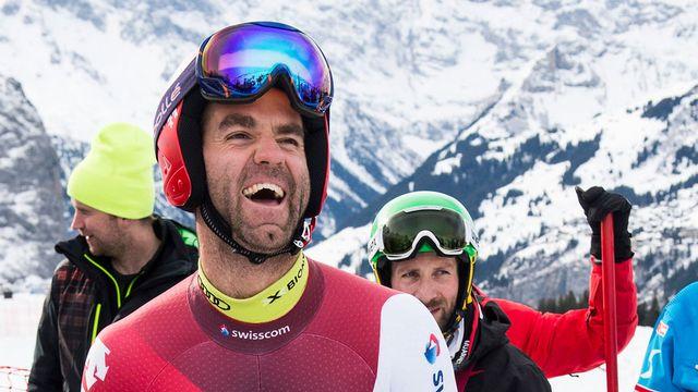 Le skieur Didier Défago hilare durant une session d'entrainement à Wengen en janvier 2015. [Jean-Christophe Bott - Keystone]