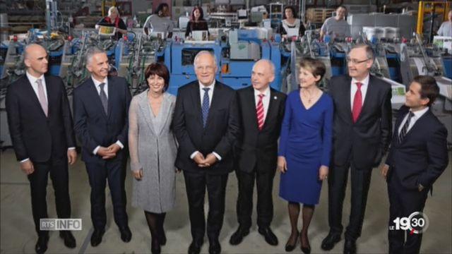 Photos officielles du Conseil fédéral: à chacune son message [RTS]