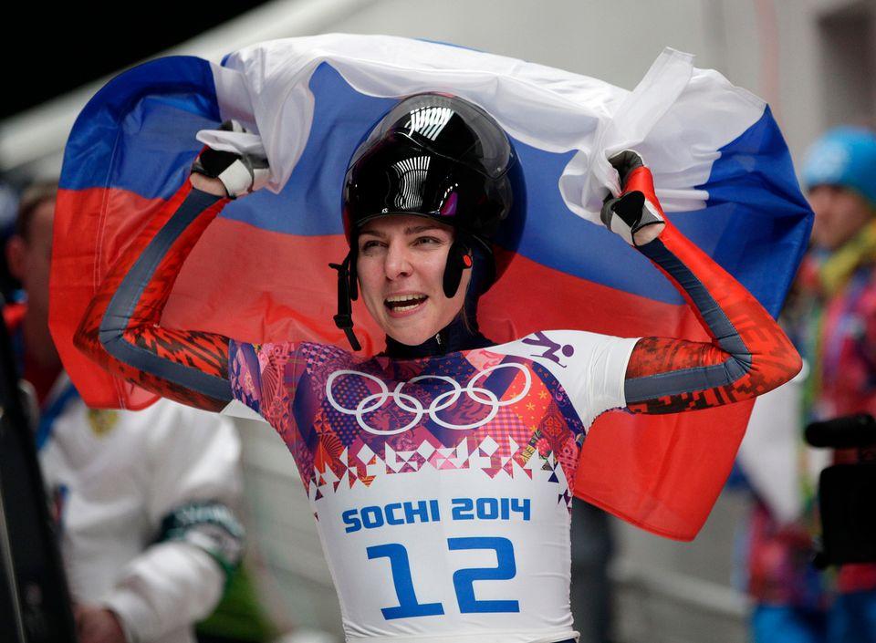 La médaillé de bronze en skeleton Elena Nikitina, bannie à vie des JO, pourra participer à la Coupe du monde. [Michael Sohn - Keystone]