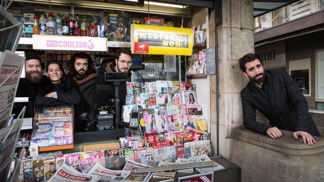 Yann Marguet, Agathe Birden, Charles Nouveau et Blaise Bersinger, chroniqueurs de l'émission Réveil à 3, avec Benjamin Luis. [Jay Louvion - RTS]