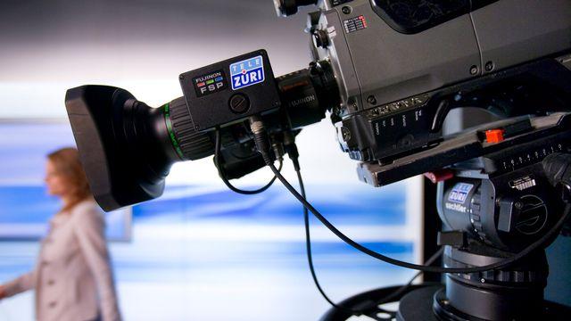 Caméra appartenant à la chaîne de télévision privée zurichoise TeleZüri. [Gaetan Bally - Keystone]