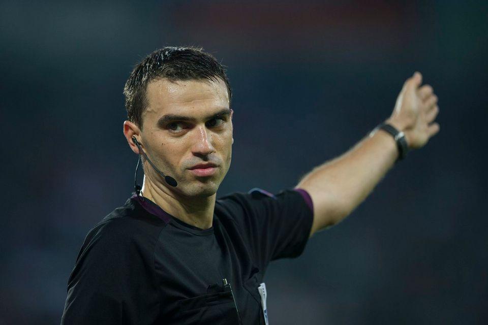 Ovidiu Hategan a reconnu avoir pris une mauvaise décision en accordant un penalty à l'équipe de Suisse à Belfast. [Ennio Leanza - Keystone]