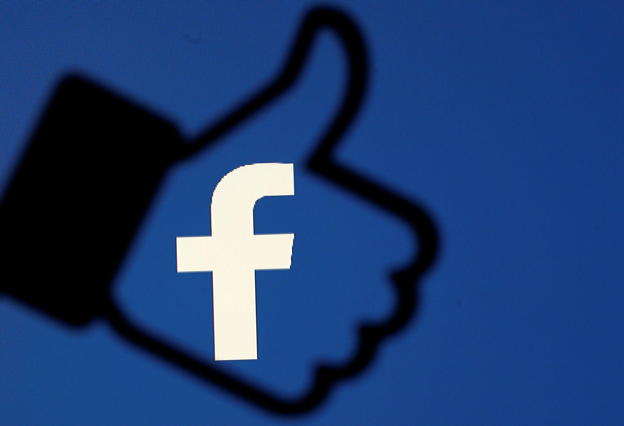 Facebook suspend une entreprise liée à la campagne de Donald Trump