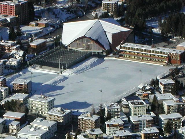 Le Stage de glace de Davos. [de:Benutzer:Flyout - wikipedia]