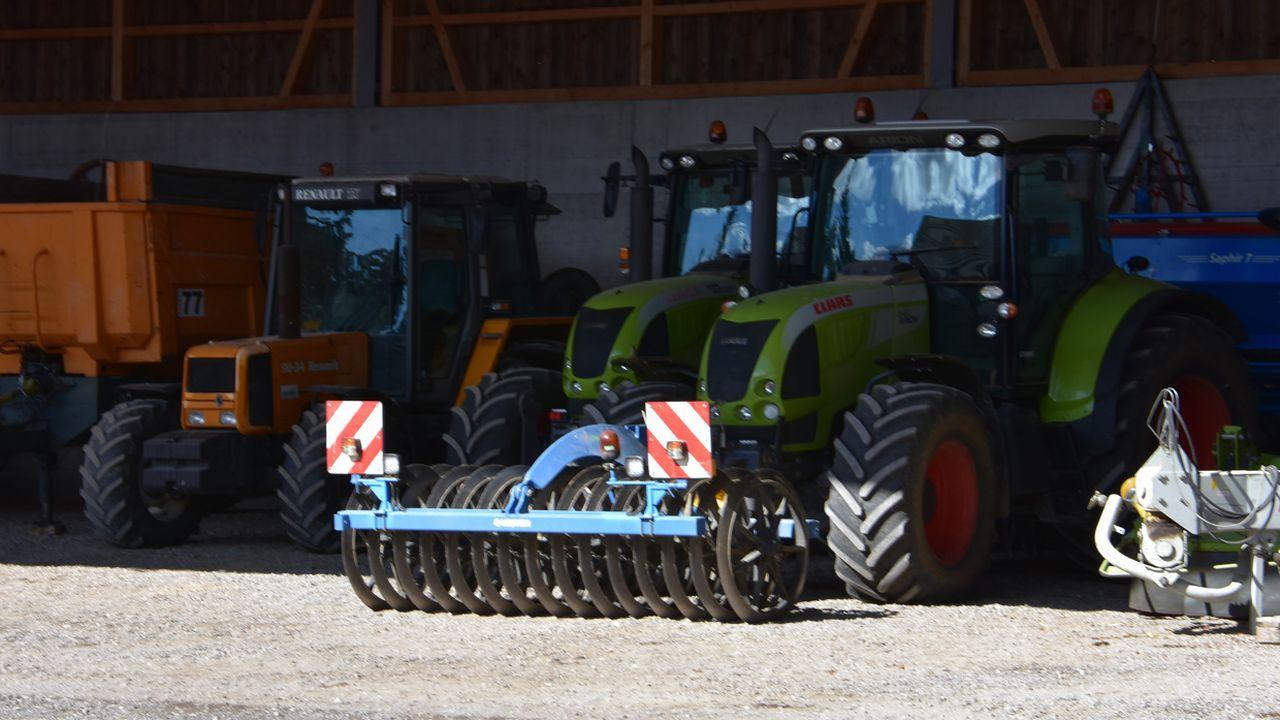 """Le Jura a un projet pour """"ubériser"""" la location de machines agricoles. [Gaël Klein - RTS]"""