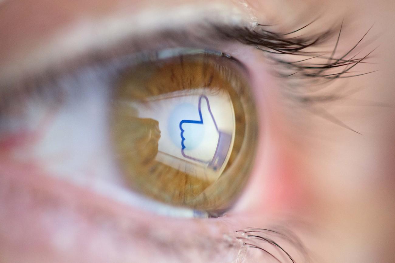 Facebook cherche les sources fiables — Fake news